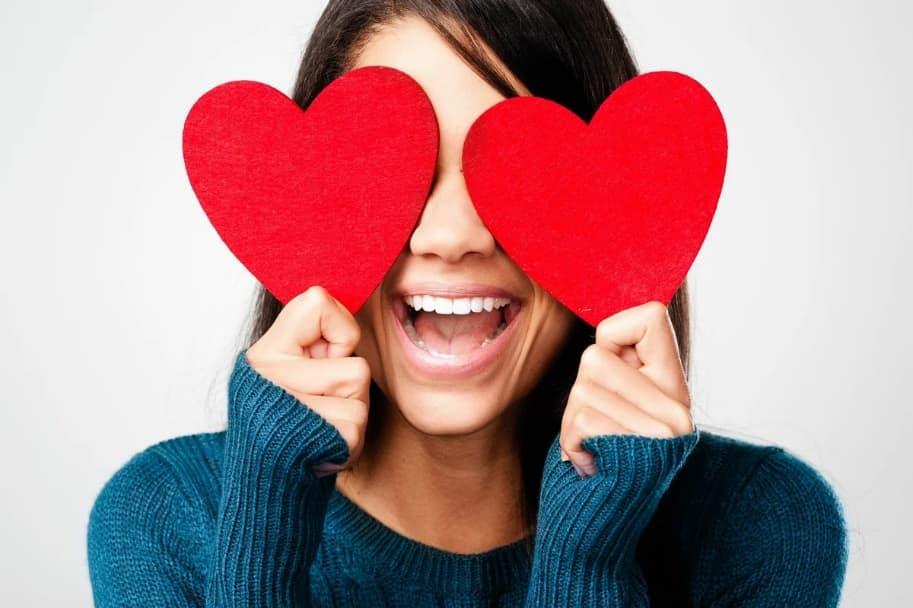 Признаки влюбленной девушки