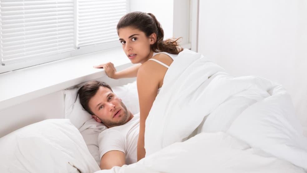 Как узнать, что жена изменяет
