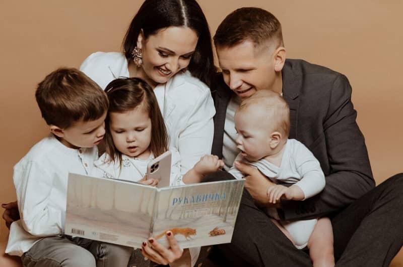 Обязанности семьи по отношению к ребенку